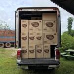 รถรับจ้าง ขนส่งเครื่องสำอาง , ขนส่งอาหารเสริม ไปต่างจังหวัด ทั่วประเทศ โทร.085-457-3789 ไลน์ id: hugmove